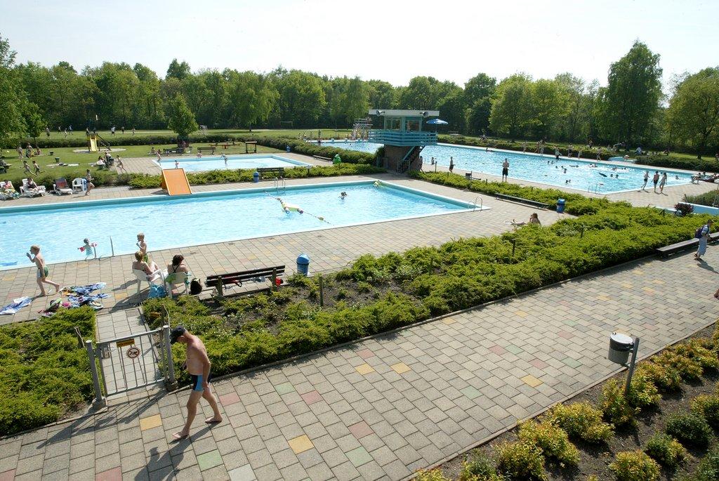 AAN Noordwolde: Zwembad De Dobbe Noordwoldefoto Piet Bosma
